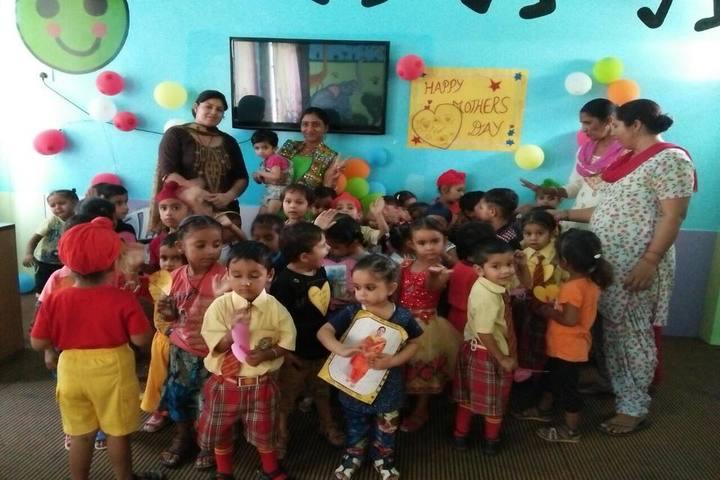 Guru Teg Bahadur Public School-Mothers Day Celebration