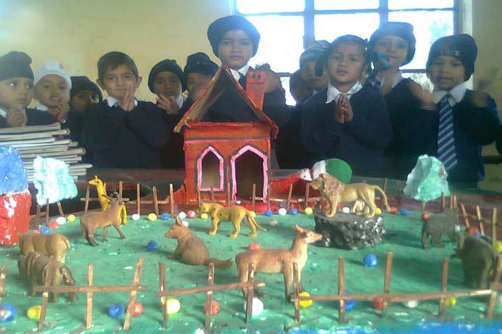 Guru Teg Bahadur Public School-School Exhibition