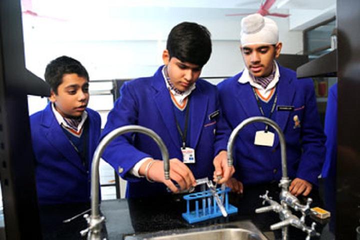 Gurukul World School-Science Lab