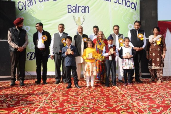 Gyan Ganga International School-Prize Distribution