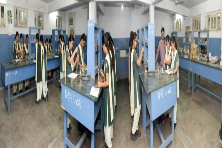 International School-Chemistry Lab