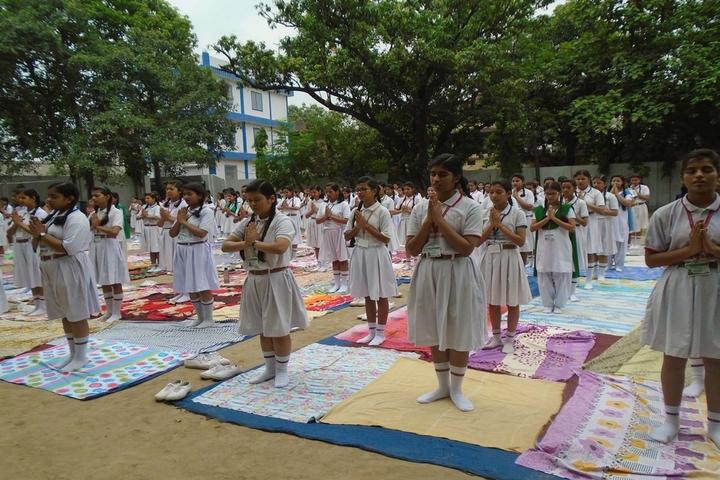 International School-Yoga