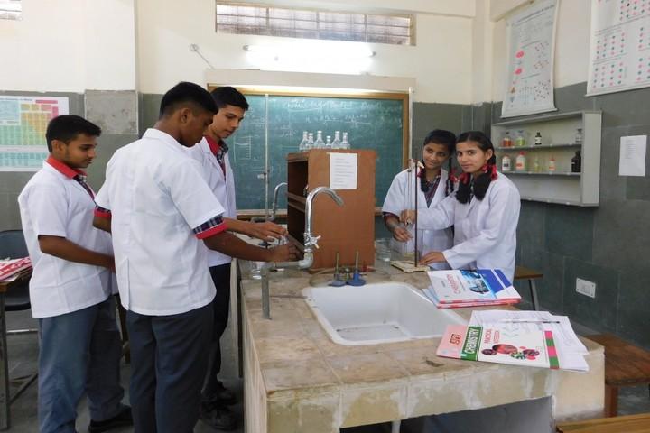 Kendriya Vidyalaya No 5-Chemistry Lab