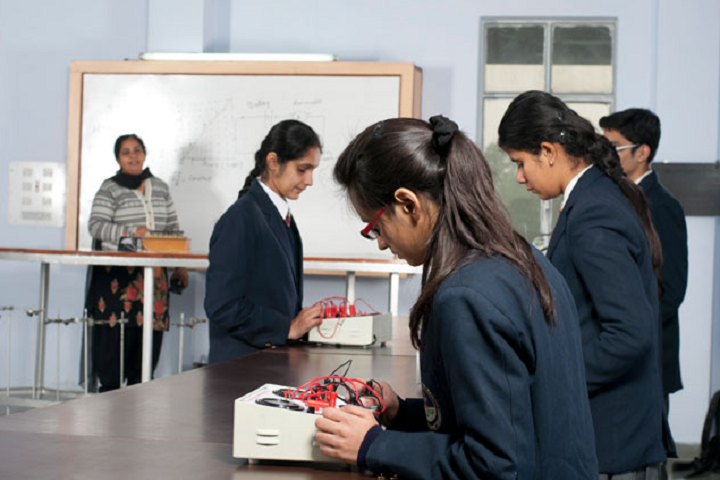 Kundan Vidya Mandir Senior Secondary School-Chemistry-Lab