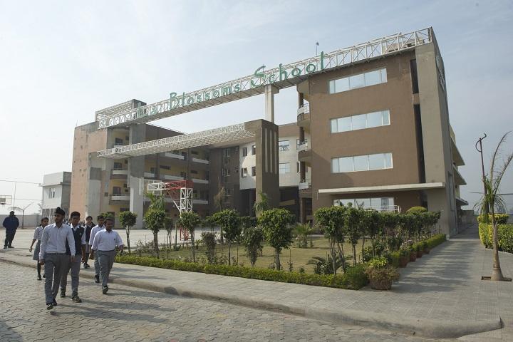 La Blossoms School-Campus-View