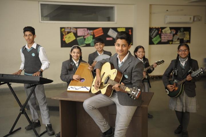 La Blossoms School-Music