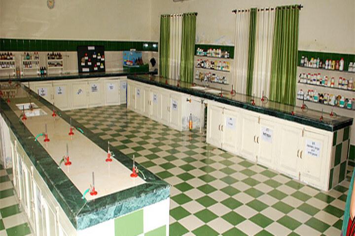 Late Ishar Das Gumber Dav Centenary Public School-Chemistry-Lab
