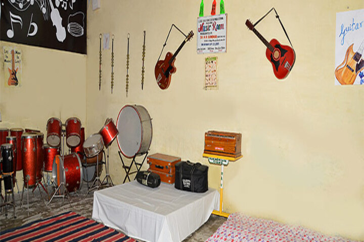 Late Ishar Das Gumber Dav Centenary Public School-Music Room