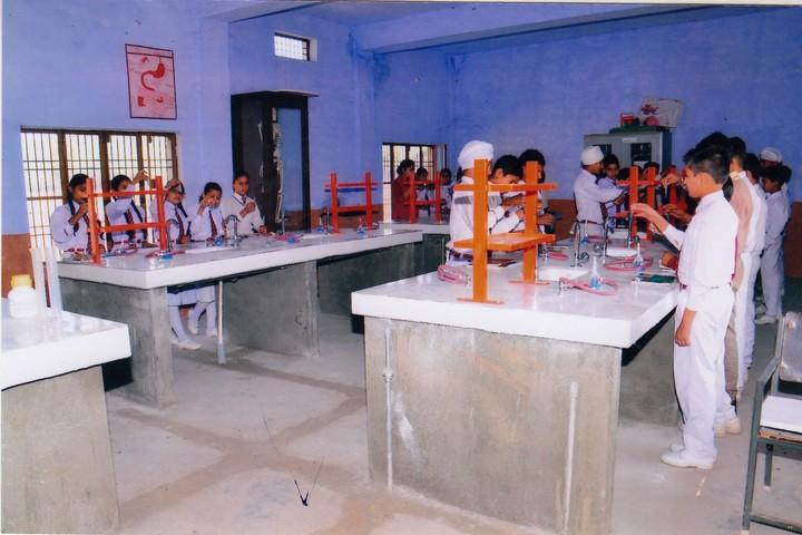 Maharana Partap Adarsh Vidyalaya-Chemistry Lab