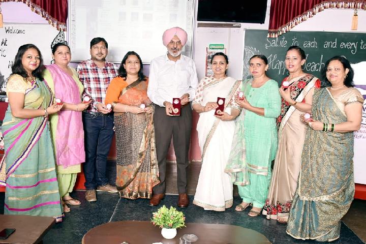 Major Ajaib Singh Convent School-Teachers day