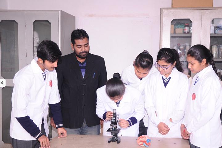 Manu Vatika Day Boarding School-Biology Lab