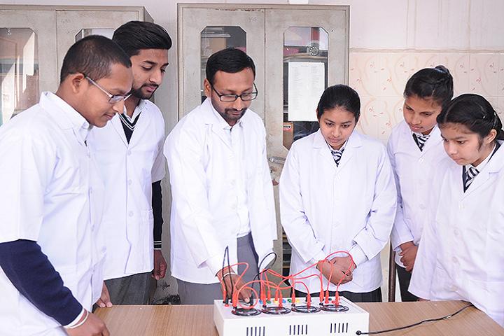 Manu Vatika Day Boarding School-Physics Lab