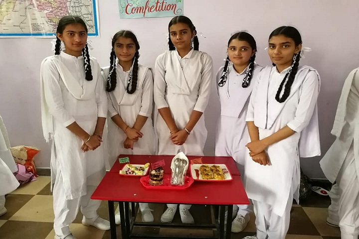 Mata Gujri Convent School-Salad Making Competition