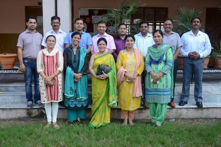 Mata Gujri Public School-Staff