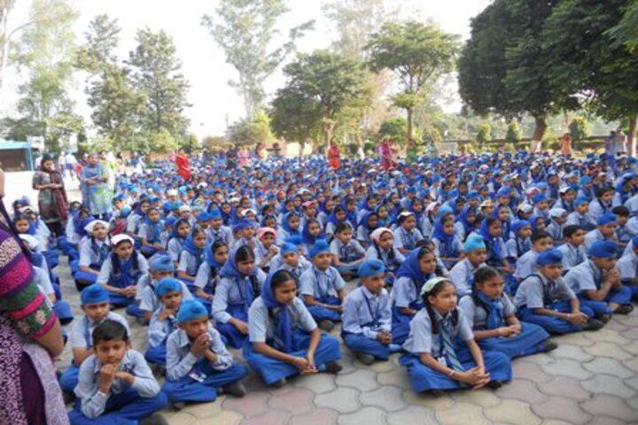 Mata Gujri Public School-Students