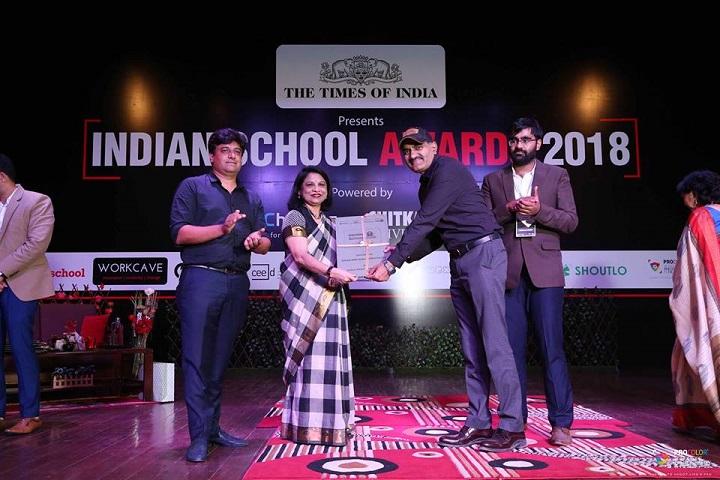 Maxim Merry School-Award to the School