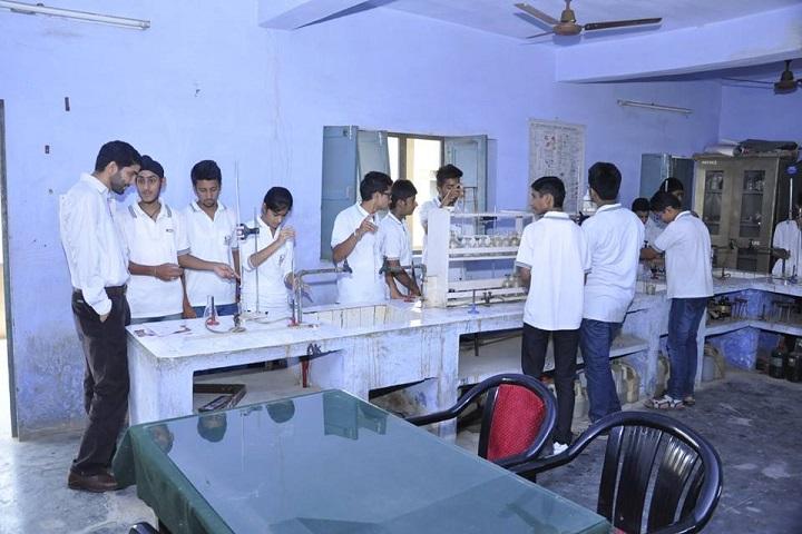 Mela Devi Kalra Arya School-Chemistry lab