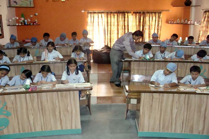Montgomery Guru Nanak Public School-Art Room