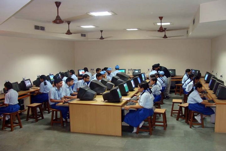 Montgomery Guru Nanak Public School-IT Lab