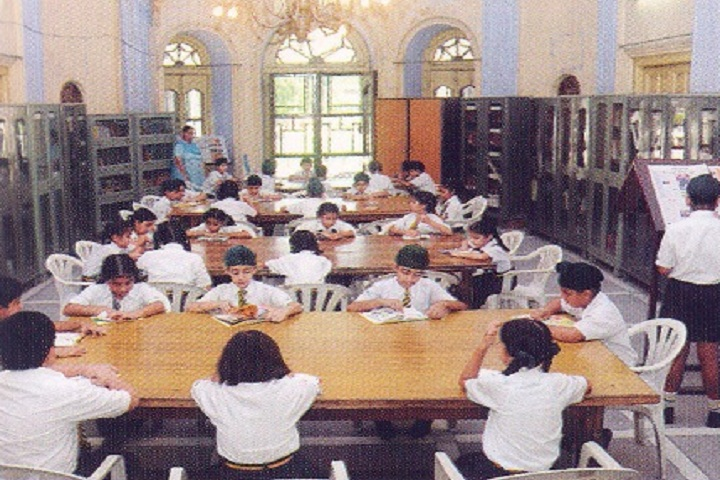 MGN Public School-Library
