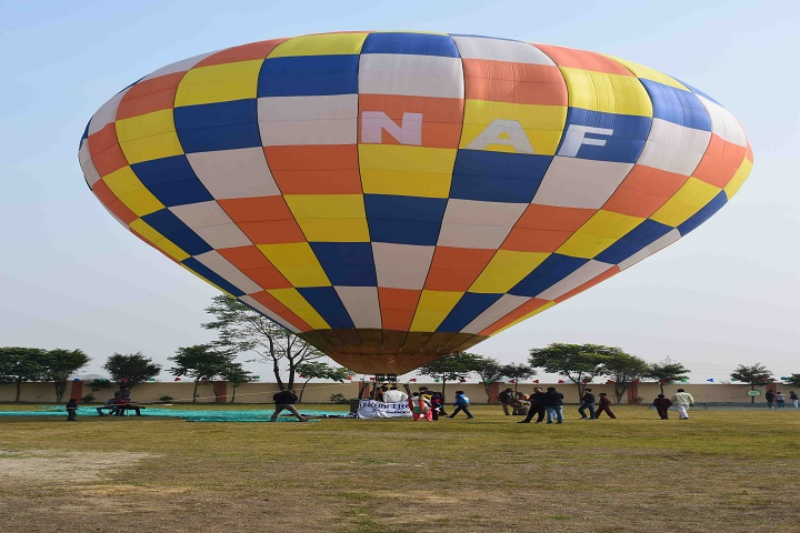 Mount Litera Zee School-Parachute