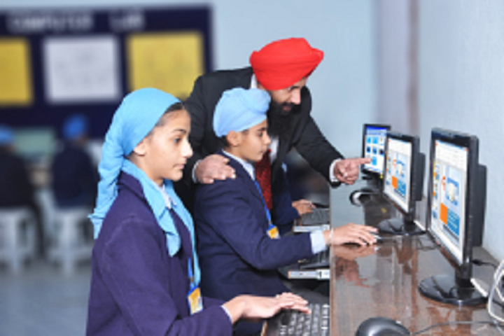 Nankana Sahib Public High School Rampurcchanna-Computer lab