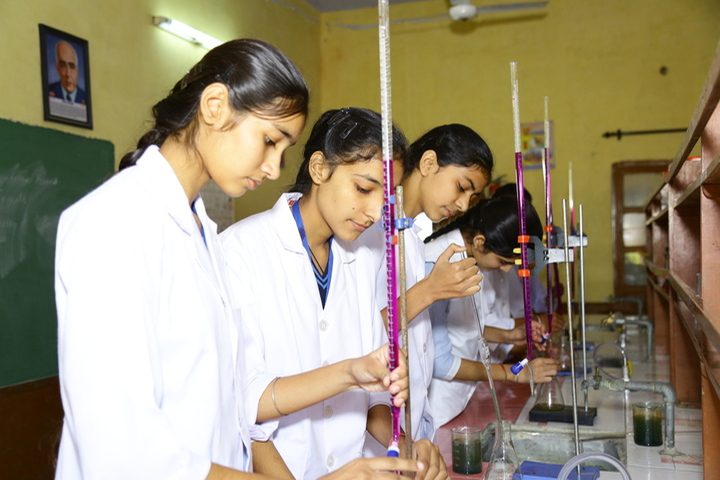 Nankana Sahib Public Senior Secondary School-Chemistry Lab