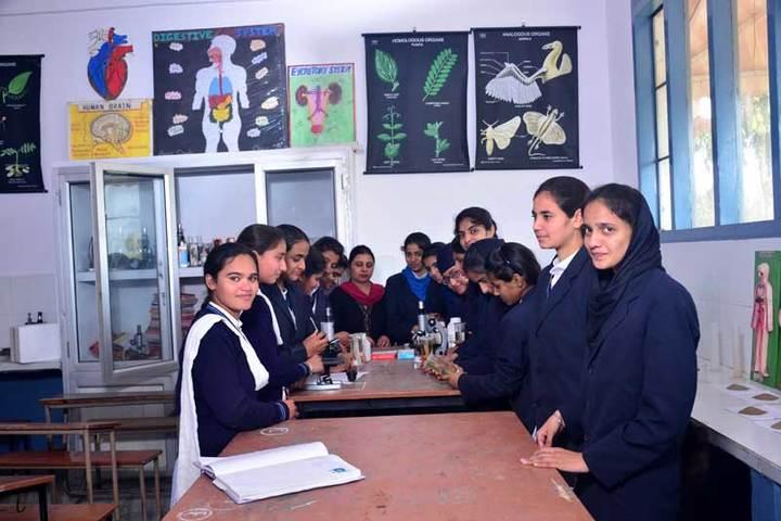 Nankana Sahib Senior Secondary School-Laboratory