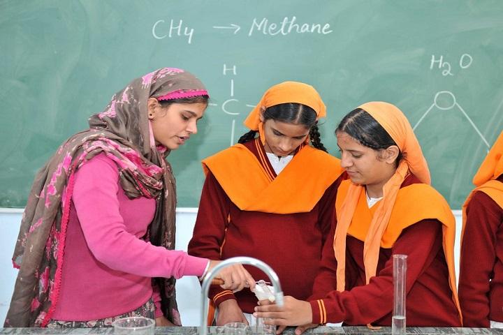 Nishan-E-Sikhi International School-Chemistry Lab