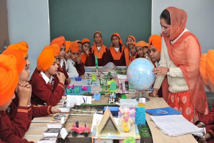 Nishan-E-Sikhi International School-Social Lab