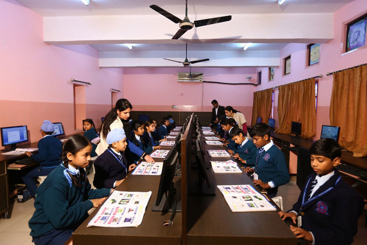 Paragon Senior Secondary School- Computer Lab