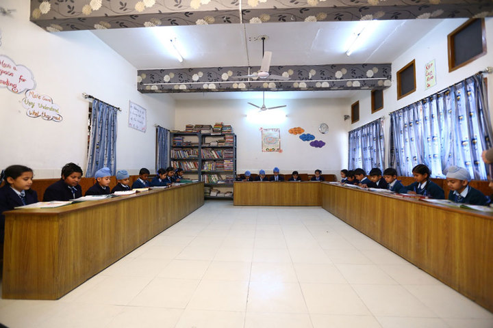 Paragon Senior Secondary School- Study Room