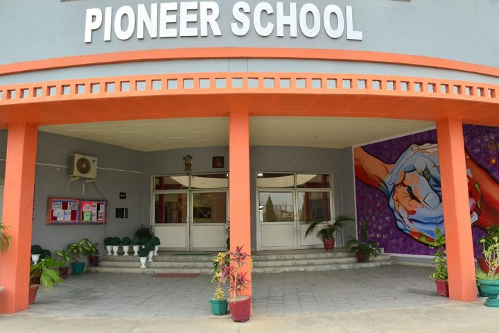 Pioneer School-Campus-Front-View