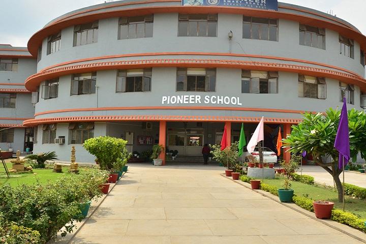 Pioneer School-Campus-View