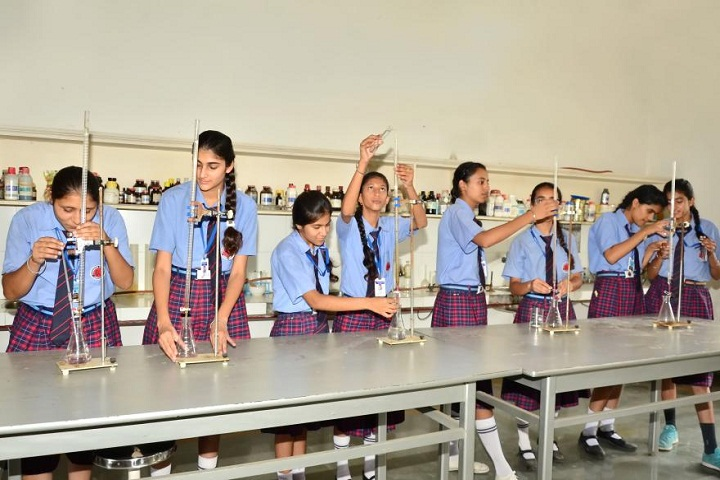 Pioneer School-Chemistry-Lab