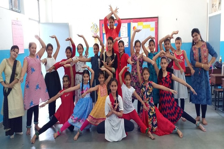 Police DAV Public School-Dance Class
