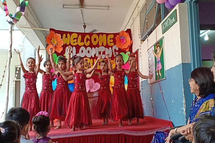 Police DAV Public School-dance