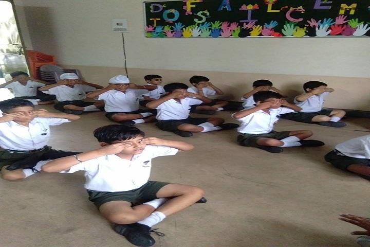 Prita Lee Lesson School-Yoga Activty