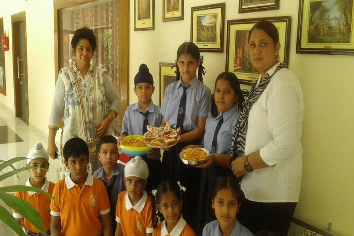 Rajindera Public Senior Secondary School-Food Decoration