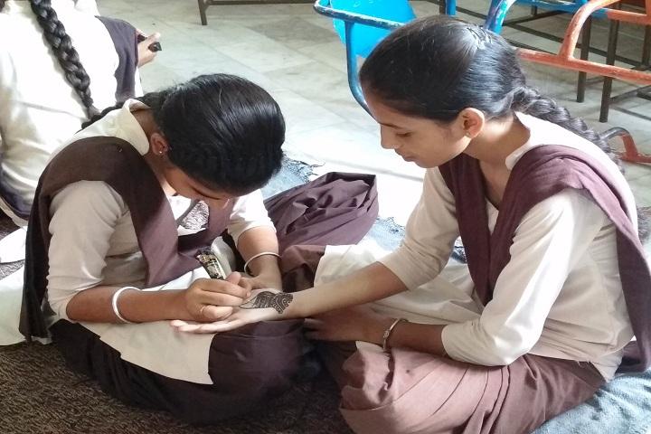 S Harbans Singh International Public School-Mehendi Compitition