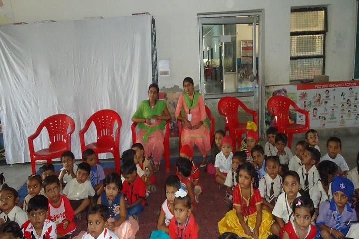 Saint Farid Convent School-Students