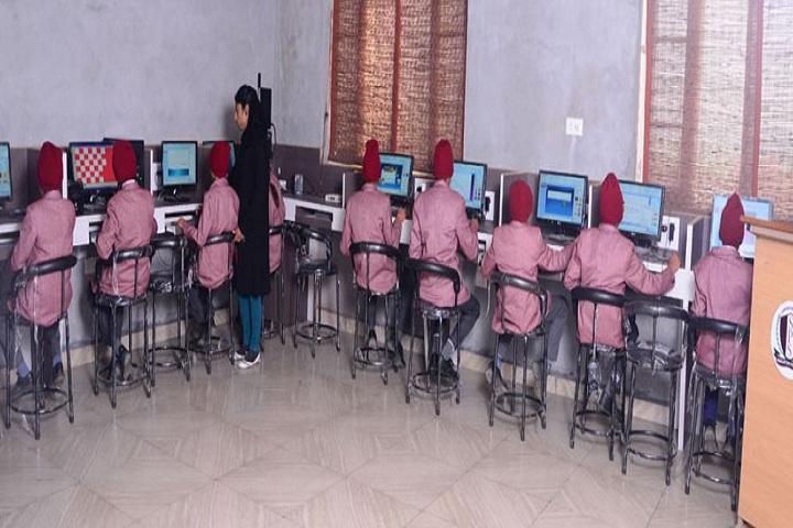 Sampuran Public School-Computer Lab