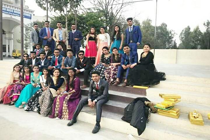 Sant Sarwan Dass Model School-Group Photo