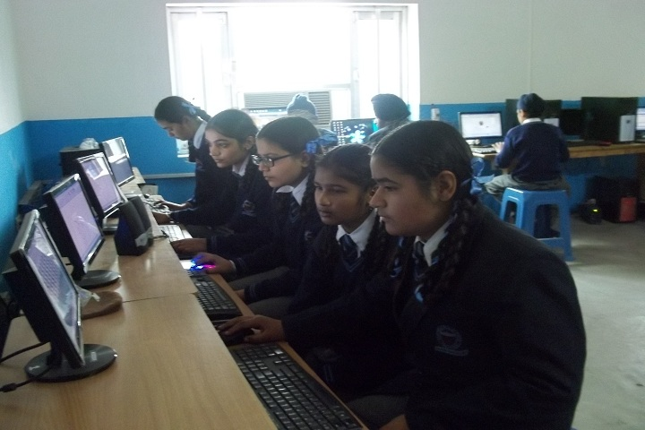 Sapt Sring Public School-Computer Lab