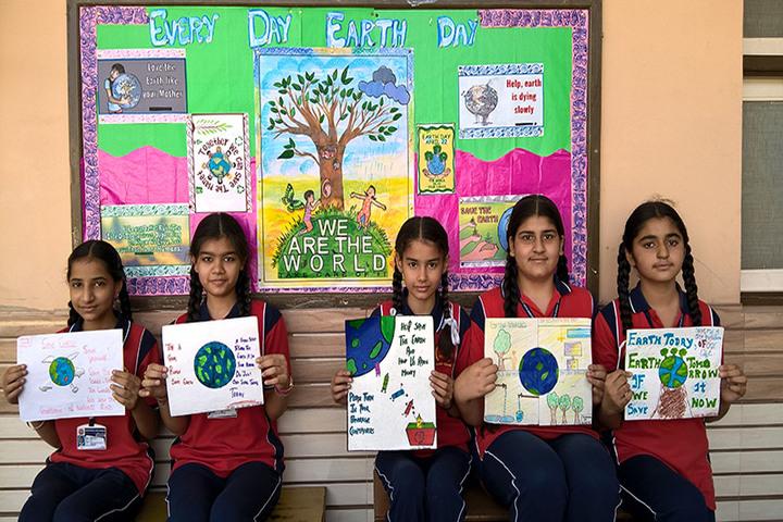 Sarvhitkari Vidya Mandir-Earth Day