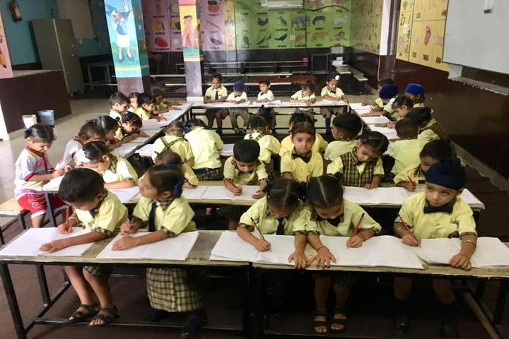 Sarvottam Academy-Classroom