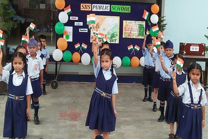 S B S Public School-Independence Day