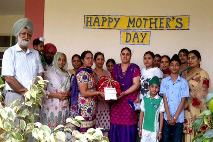 Scholar Fields Public School-Mothers Day