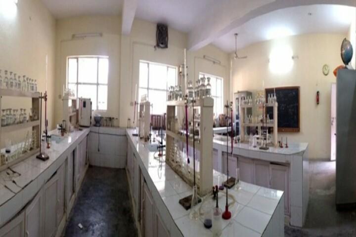 Shaheed Darshan Singh Pheruman Public School-Chemistry Lab