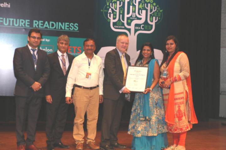 Sheela Rani Tangri Dav Public School-Award